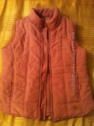 женская жилетка теплая