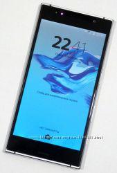 Sony XPERIA XZ Premium Экран 5. 5, 4 ядра, камера 23 и 13МР, корпус метал