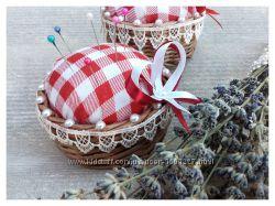 Плетеная игольница коробочка из бумажной лозы