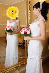 Продам свадебное платье с небольшим шлейфом
