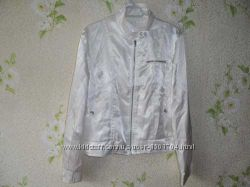 Женский легкая куртка в идеальном состоянии B-YOUNG