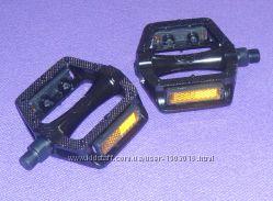 Педали алюминиевые черные с шипами новые топталки