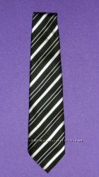 Продам галстук мужской черный в белую косую полосу шелк