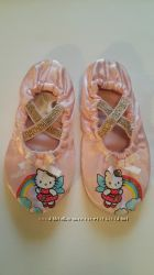 Нарядные чешки для девочки H&M Hello Kitty размер 24-25.