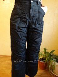 Черные горнолыжные брюки для девочки.