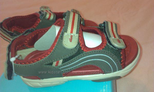 мальчиковые сандалии на липучках 27 размера , chicco