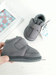 ботиночки из микрофибры от Little blue lamb , размеры 12 и 13 см стелька