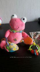 Подвесная ирушка Biba toys. Забавный лягушонок