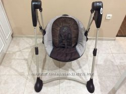 Укачивающее кресло Graco