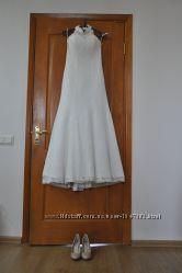Свадебное платье а силуэта со шлейфом на маленький рост цвета айвори