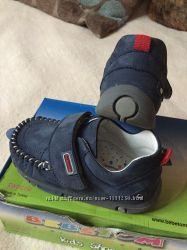 Ботинки , мокасини bebetom