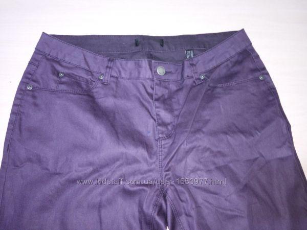 Фиолетовые женские джинсы штаны