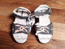 Сандалии серые для девочки размер 31, 18-32 Ю