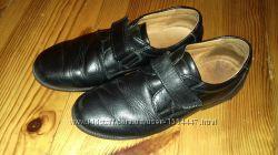 Туфли черные кожаные для мальчика, размер 36, на липучках