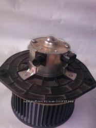 Электродвигатель отопителя печки на ВАЗ 2110, 2112 Калина 1118,