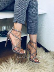 Женская обувь туфли, кроссовки, шлепки, сандали