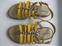 Босоножки кожаные для девочек Pampili