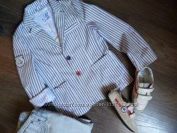 Sale. Пиджак на мальчика в полоску  на рост 128-146см