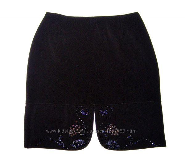 Красивейшая юбка мини чёрная расшивка бисером вокруг разреза  р42 р44