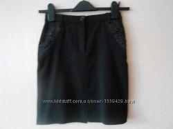 Черная школьная юбка для девочки р. 134-140 в отличном состоянии