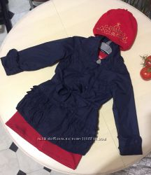 Демисезонный плащ модной куколке от Atrigli Girl, платье Chicco, шапка H&M