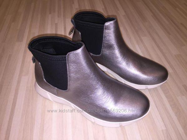 Серебристые кожаные демисезонные ботинки Calvin Klein