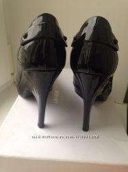 Туфлі Versace, оригінал, були взуті один раз, розмір 38