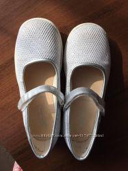 Блестящие праздничные туфли