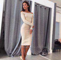Стильна сукня міді зі спущенними плечима