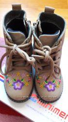 Продам кожаные ботиночки 25 р с ортопедической стелькой. Made in Turkey