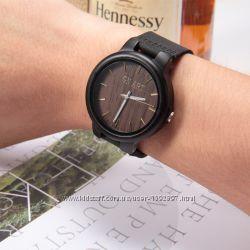 Часы деревянные с датой