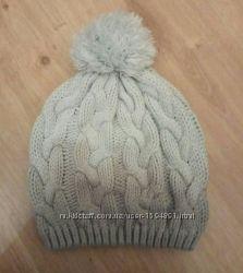 Вязаная шапка с помпоном house