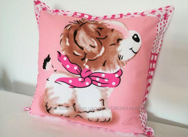 Милая, мягкая забавная декоративная подушка
