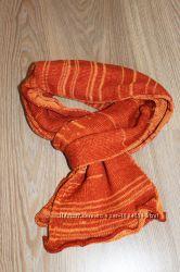 Яркий зимний длинный шарф