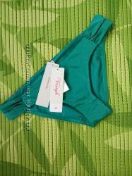 Изумрудно зелёный низ купальника Triumph abstract diamond m