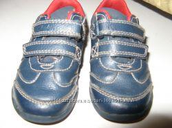 Кроссовочки с мигалочками Clarks p5. 5, нат. кожа