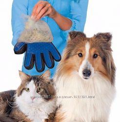 Перчатка Фурминатор True Touch для вычесывания шерсти собак и кошек