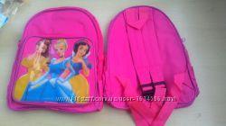 Рюкзак с принцессами новый дошкольный. Размер 28 см на 25 см.