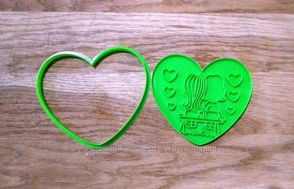 Форма для печива та пряників Love is