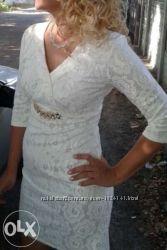 Біла сукня на випускний