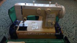 Машинка швейная Чайка 142 М электроприводная