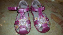 продажа б. у. сандаликов для девочки р.23 и р.25