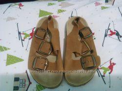 Фирменные сандалии для мальчика