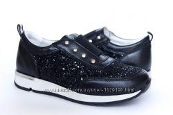 8f7074fd22308e Стильні шкіряні кросівки для дівчат - взуття від виробника, доступні ціни
