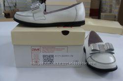 Розпродаж шкільного взуття для дівчат - останні розміри