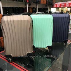 9f7fc5ecb1c0 Супер цена купить чемодан на колесах недорого с бесплатной доставкой Киев