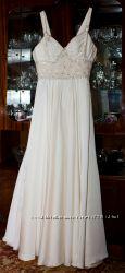 Продам нежное и элегантное свадебное платье