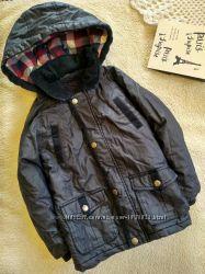 Фирменная куртка деми на 3-4 года
