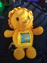 Іграшка-лев Leap frog, що співає для малюків