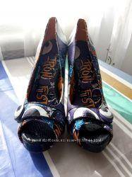 Продам туфли с открытым носком